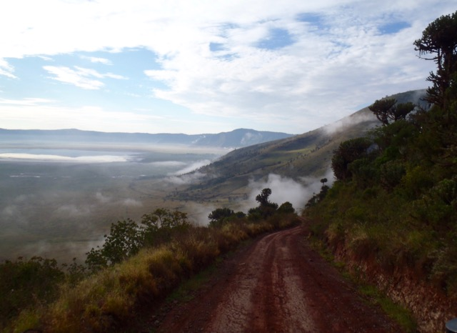 Ngorongoro crater road